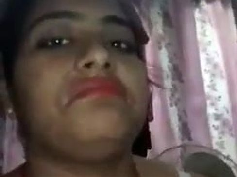 Desi young girl making hot nude video for boyfriend