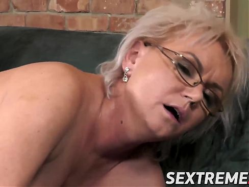 Tantalizing granny adores licking young female butt holes